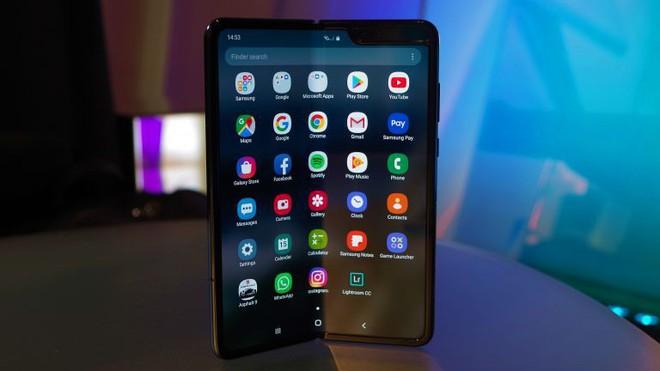 """Galaxy Fold gặp rắc rối lớn nhưng: """"Samsung không giống với Apple, họ không cần phải làm đúng ngay từ lần đầu tiên - Ảnh 1."""