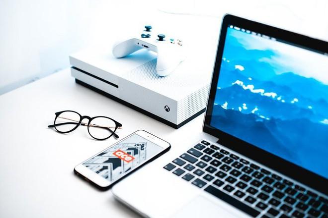 Xbox One S All-Digital Edition ra mắt: Bỏ ổ đĩa quang, giá 5.8 triệu đồng - Ảnh 1.