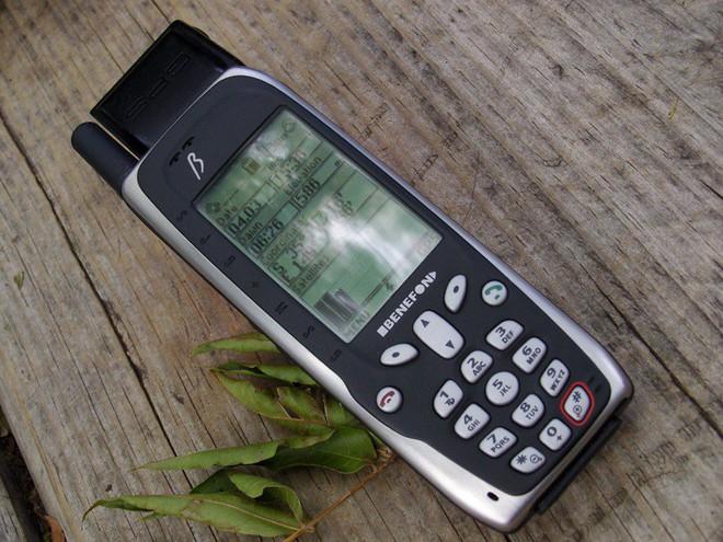 Ngược dòng thời gian: Từ thiên địch, nước đã trở thành bạn đồng hành khi nói đến chất lượng của điện thoại - Ảnh 1.