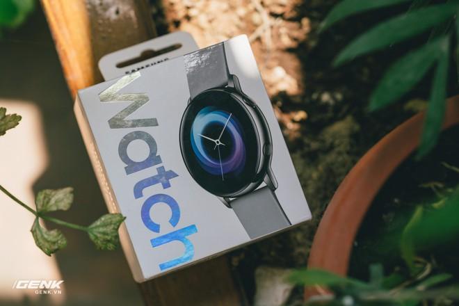 Đánh giá đồng hồ Samsung Galaxy Watch Active: thiết kế tối giản là điểm cộng, hợp với người yêu thể thao - Ảnh 2.