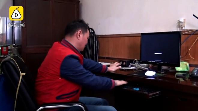Ông chú 53 tuổi chiến thắng bệnh tiểu đường, bơi 2,2km vượt sông Dương Tử đi làm mỗi ngày trong 11 năm - Ảnh 5.
