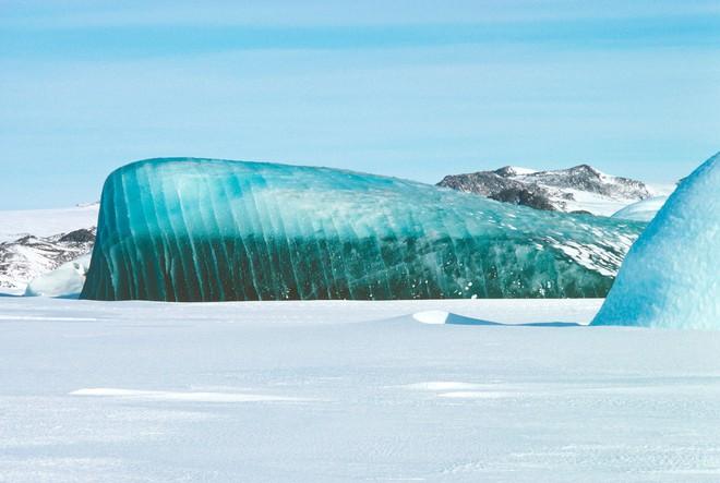 Cực độc tảng băng ngọc lục bảo tuyệt mỹ ở Nam Cực: Phải may mắn lắm mới có thể bắt gặp khoảnh khắc này! - Ảnh 9.