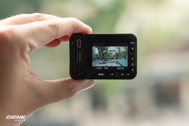 Trên tay máy ảnh Sony RX0 mark II: Siêu nhỏ, quay phim 4K, màn hình lật - Ảnh 8.