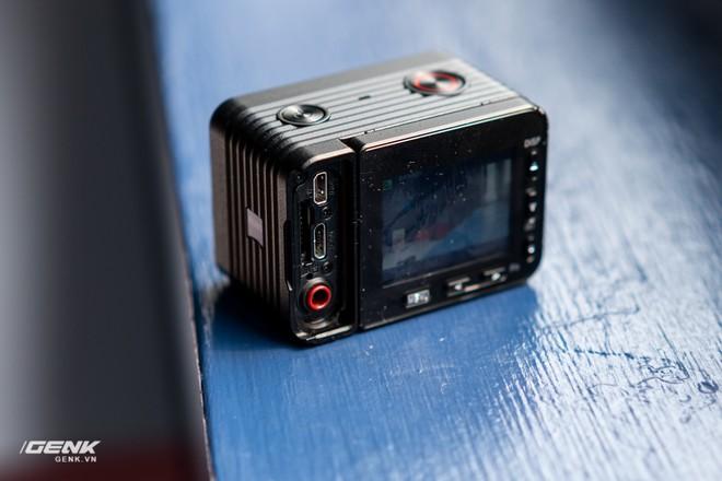 Trên tay máy ảnh Sony RX0 mark II: Siêu nhỏ, quay phim 4K, màn hình lật - Ảnh 7.