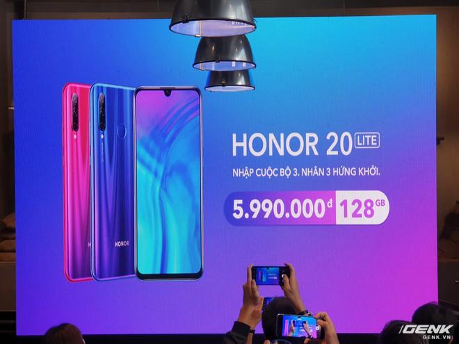 Trên tay Honor 20 Lite: anh em với Huawei P30 Lite nhưng rẻ hơn tới 1,5 triệu - Ảnh 1.