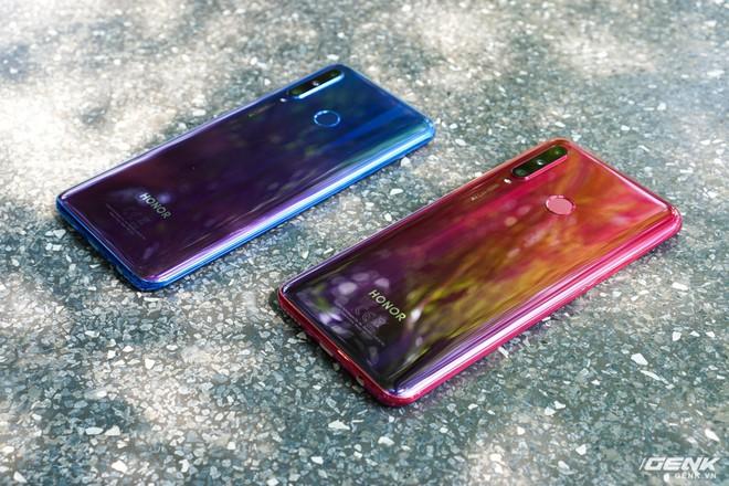 Trên tay Honor 20 Lite: anh em với Huawei P30 Lite nhưng rẻ hơn tới 1,5 triệu - Ảnh 2.