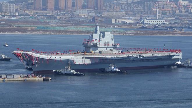 Trung Quốc lần đầu tung hình ảnh về chiếc tàu sân bay được sản xuất trong nước - Ảnh 8.