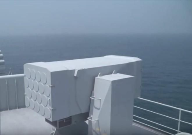 Trung Quốc lần đầu tung hình ảnh về chiếc tàu sân bay được sản xuất trong nước - Ảnh 5.