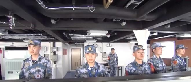 Trung Quốc lần đầu tung hình ảnh về chiếc tàu sân bay được sản xuất trong nước - Ảnh 6.