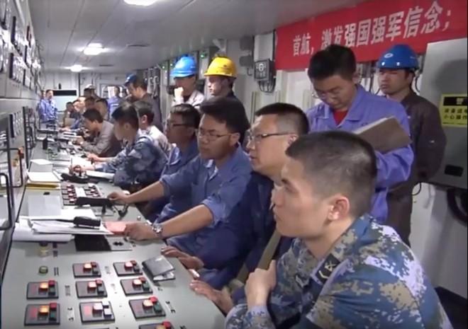 Trung Quốc lần đầu tung hình ảnh về chiếc tàu sân bay được sản xuất trong nước - Ảnh 1.