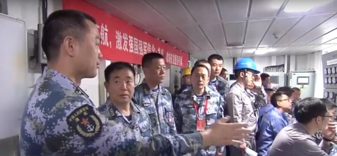 Trung Quốc lần đầu tung hình ảnh về chiếc tàu sân bay được sản xuất trong nước - Ảnh 7.