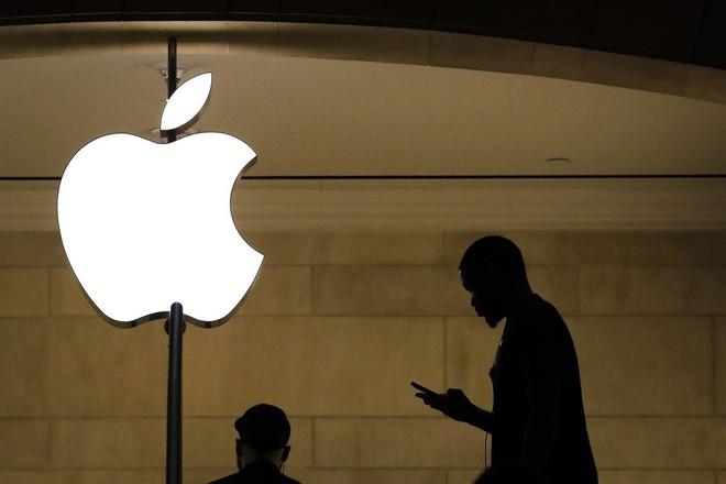 Apple chối bỏ cáo buộc quét khuôn mặt khách hàng tại Apple Store - Ảnh 1.