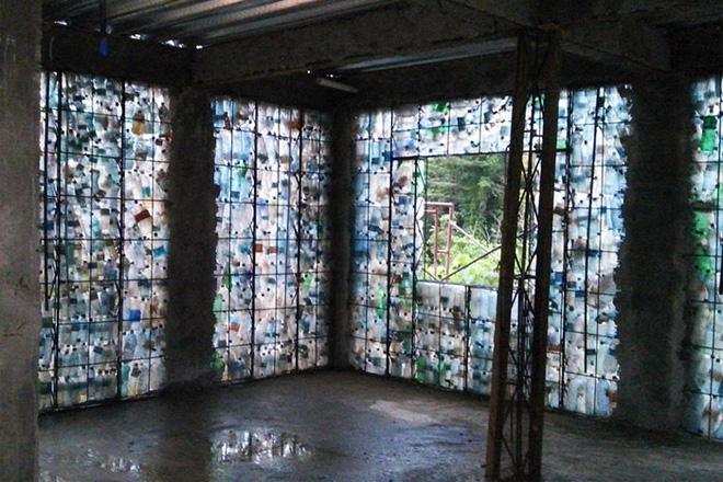 Chiêm ngưỡng ngôi làng độc đáo ở Panama, nơi nhà cửa được làm từ 1 triệu chai nhựa - Ảnh 5.