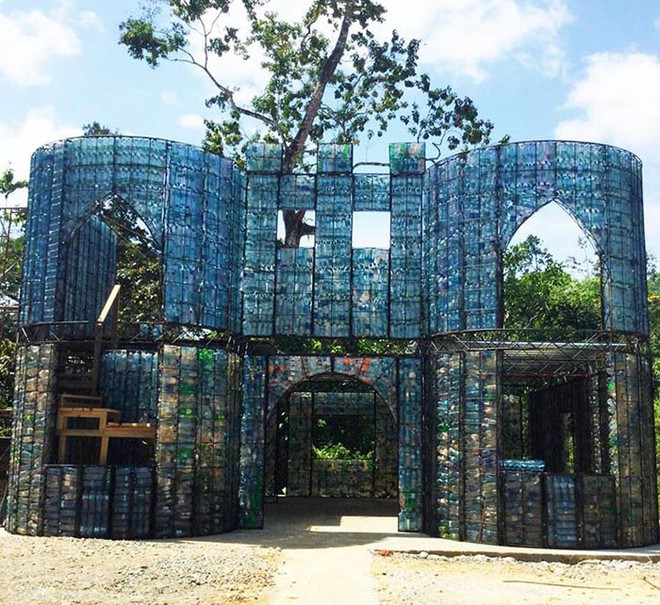 Chiêm ngưỡng ngôi làng độc đáo ở Panama, nơi nhà cửa được làm từ 1 triệu chai nhựa - Ảnh 15.