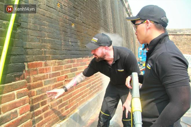 Steam Cleaning - công nghệ dùng để làm sạch tường Đại Nội Huế cho thấy sức mạnh của nước có thể lớn đến mức nào - Ảnh 4.