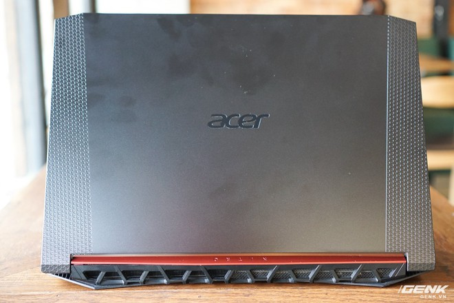 Cận cảnh laptop Acer Nitro 5 phiên bản 2019 tại Việt Nam: viền màn hình đã mỏng hơn, trang bị CPU Core i thế hệ 9 và NVIDIA GTX 16 Series - Ảnh 2.
