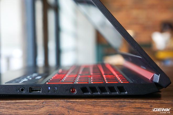 Cận cảnh laptop Acer Nitro 5 phiên bản 2019 tại Việt Nam: viền màn hình đã mỏng hơn, trang bị CPU Core i thế hệ 9 và NVIDIA GTX 16 Series - Ảnh 15.