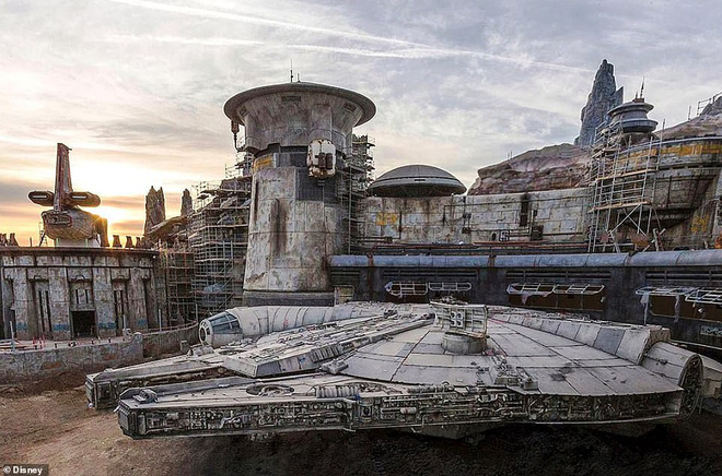Toàn cảnh công viên Disney tỷ đô phong cách Chiến tranh giữa các vì sao trước ngày mở cửa chính thức - Ảnh 6.