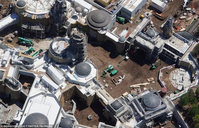 Toàn cảnh công viên Disney tỷ đô phong cách Chiến tranh giữa các vì sao trước ngày mở cửa chính thức - Ảnh 8.