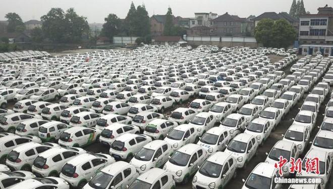 """Trung Quốc: Hàng trăm xe điện bị """"xếp xó"""" vì hậu quả của nền kinh tế chia sẻ phát triển chóng mặt - Ảnh 2."""