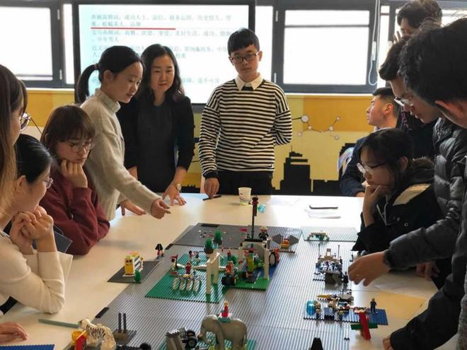 Trường Đại học Trung Quốc tích hợp LEGO vào giảng dạy các môn học trừu tượng - Ảnh 1.