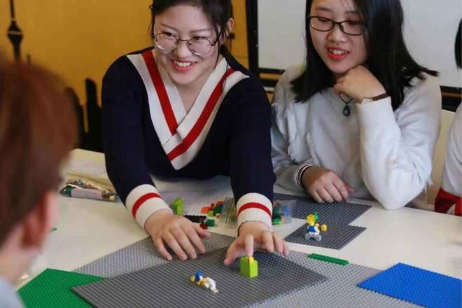 Trường Đại học Trung Quốc tích hợp LEGO vào giảng dạy các môn học trừu tượng - Ảnh 2.