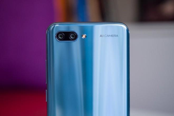 Huawei muốn thương hiệu con Honor đánh bại Xiaomi - Ảnh 1.