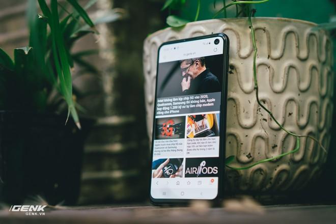 Đập hộp và trải nghiệm nhanh Samsung Galaxy S10e tại Việt Nam: Viên ngọc bị lãng quên? - Ảnh 8.