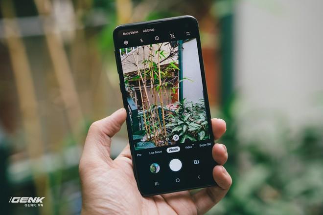 Samsung Galaxy S10e chứng minh rằng smartphone nhỏ gọn vẫn có chỗ đứng trong trái tim người dùng - Ảnh 5.