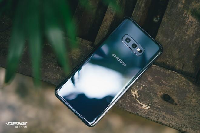 Đập hộp và trải nghiệm nhanh Samsung Galaxy S10e tại Việt Nam: Viên ngọc bị lãng quên? - Ảnh 17.