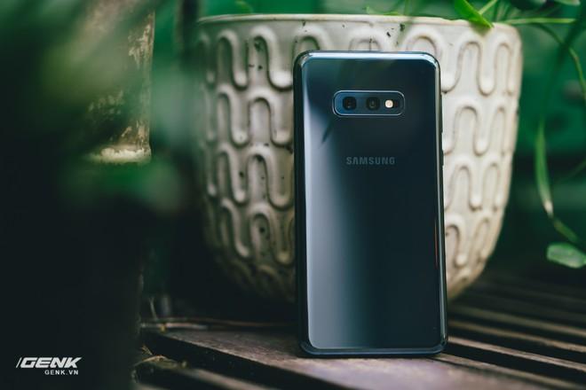 Đập hộp và trải nghiệm nhanh Samsung Galaxy S10e tại Việt Nam: Viên ngọc bị lãng quên? - Ảnh 16.
