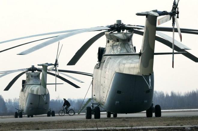 Khám phá trực thăng khổng lồ Mi-26 của Nga: Đã từng chở hóa thạch voi ma mút và máy bay chở khách cỡ nhỏ - Ảnh 5.