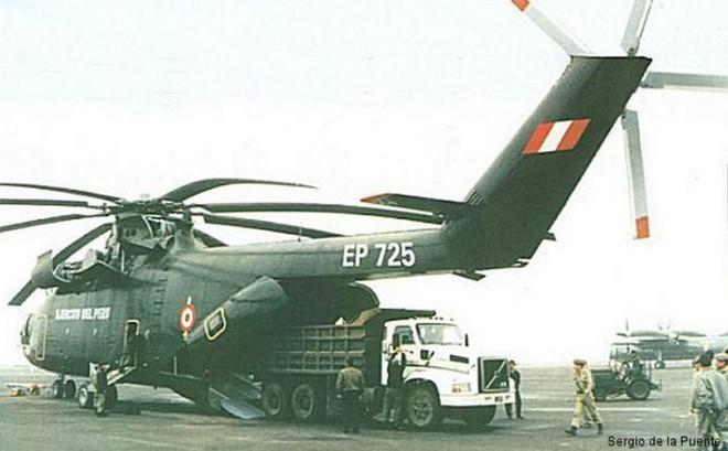 Khám phá trực thăng khổng lồ Mi-26 của Nga: Đã từng chở hóa thạch voi ma mút và máy bay chở khách cỡ nhỏ - Ảnh 11.