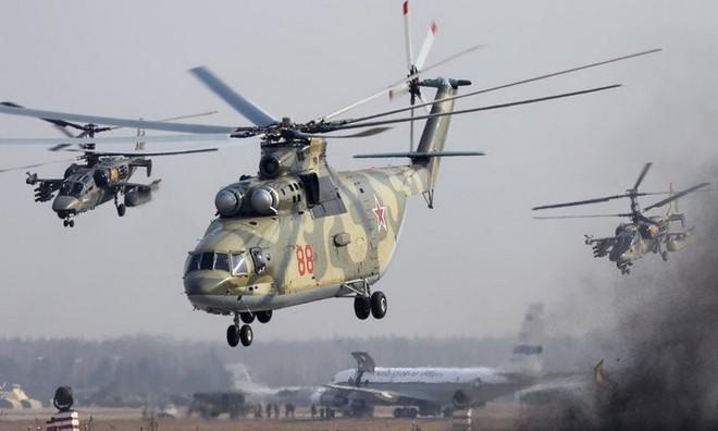 Khám phá trực thăng khổng lồ Mi-26 của Nga: Đã từng chở hóa thạch voi ma mút và máy bay chở khách cỡ nhỏ - Ảnh 10.