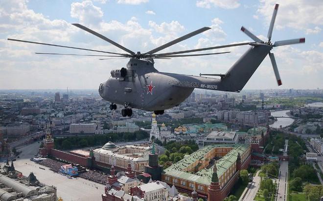 Khám phá trực thăng khổng lồ Mi-26 của Nga: Đã từng chở hóa thạch voi ma mút và máy bay chở khách cỡ nhỏ - Ảnh 8.