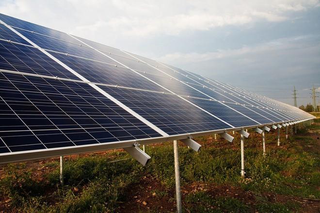Florida tiến hành đóng cửa các nhà máy khí đốt tự nhiên, xây dựng pin năng lượng mặt trời khổng lồ - Ảnh 2.