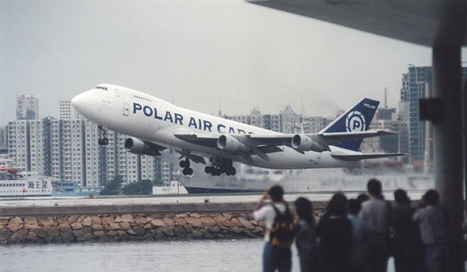 Kai Tak - Sân bay khó hạ cánh nhất thế giới, gắn liền với thời kỳ hoàng kim của Hồng Kông - Ảnh 10.