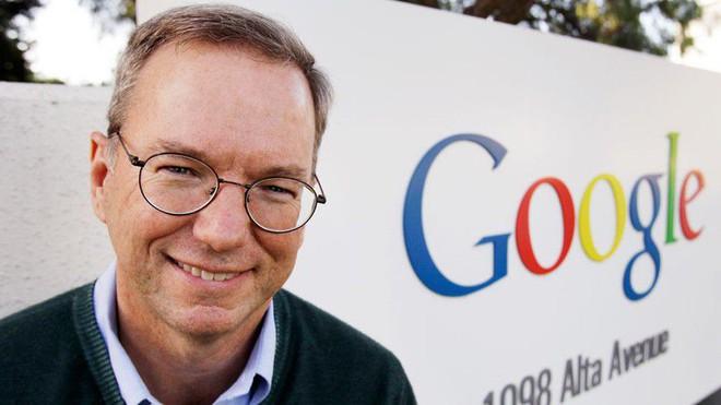 Cựu CEO Google, Eric Schmidt, sẽ ra đi sau 18 năm làm việc tại Google và Alphabet - Ảnh 1.