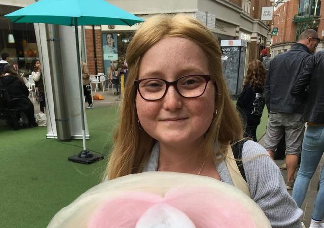 Nhiễm trùng kháng tất cả kháng sinh, một bé gái người Anh được cứu sống nhờ thể thực khuẩn biến đổi gen - Ảnh 3.
