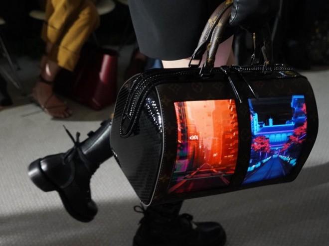 Louis Vuitton tích hợp màn hình OLED vào túi xách, thời gian hiển thị lên đến 4 tiếng - Ảnh 2.