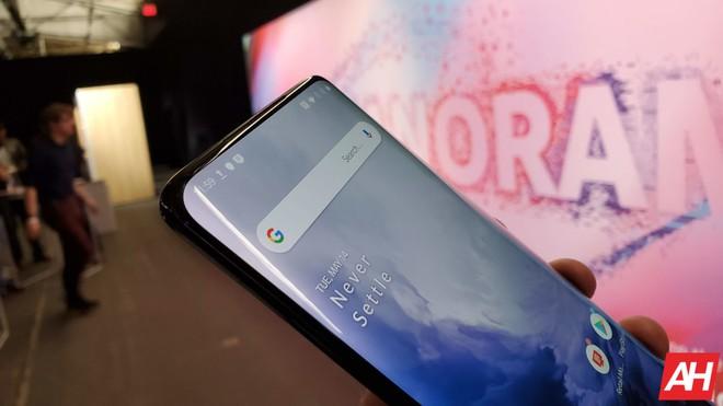 Cận cảnh OnePlus 7 Pro: Chiếc smartphone sinh ra để đánh bại các ông lớn - Ảnh 16.