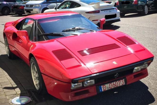 Đức phát lệnh truy nã người đàn ông lái thử xe Ferrari 3 triệu USD rồi đạp ga chạy mất hút - Ảnh 1.