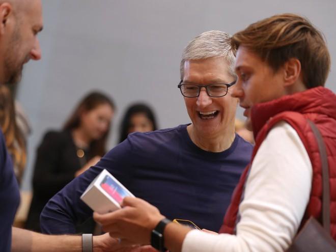 Bạn đang sạc smartphone sai cách, đây mới là những gì các chuyên gia và chính Apple, Google khuyên bảo - Ảnh 1.