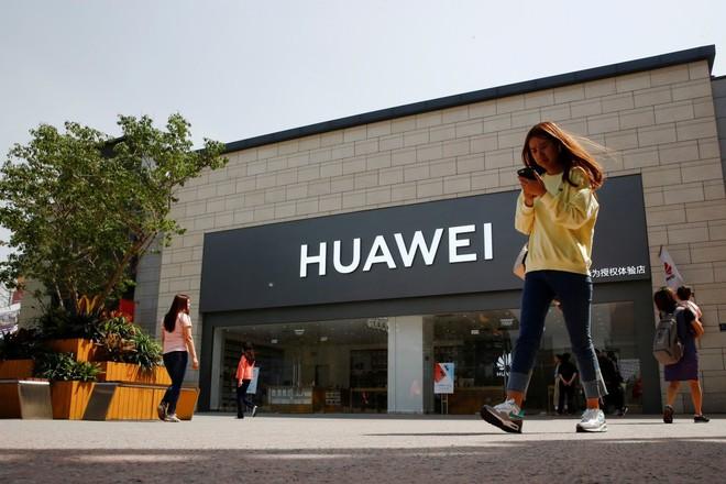 Google xác nhận cửa Play Store vẫn hoạt động đối với thiết bị Huawei hiện có - Ảnh 1.