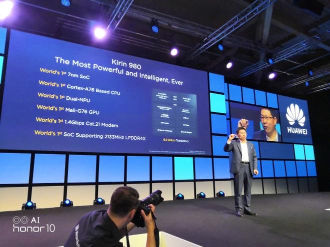 Đến lượt ARM ngừng hợp tác với Huawei, Huawei sẽ không thể tự sản xuất chip được nữa? - Ảnh 1.