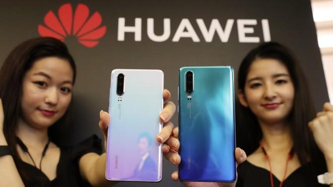 Hai nhà mạng lớn của Nhật Bản hủy lịch tung Huawei P30 Pro lên kệ - Ảnh 2.