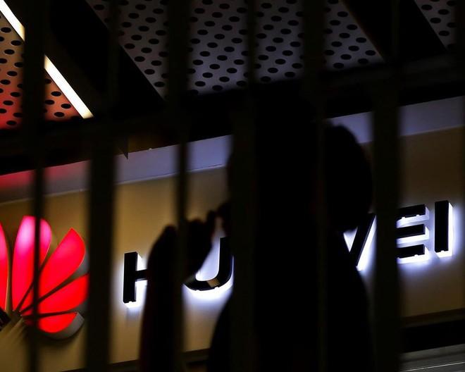 Chuyên gia nhận định Samsung sẽ lãi thêm ít nhất 1 tỷ USD nhờ thảm họa Huawei, nhưng không cẩn thận là cũng ngã đau - Ảnh 2.