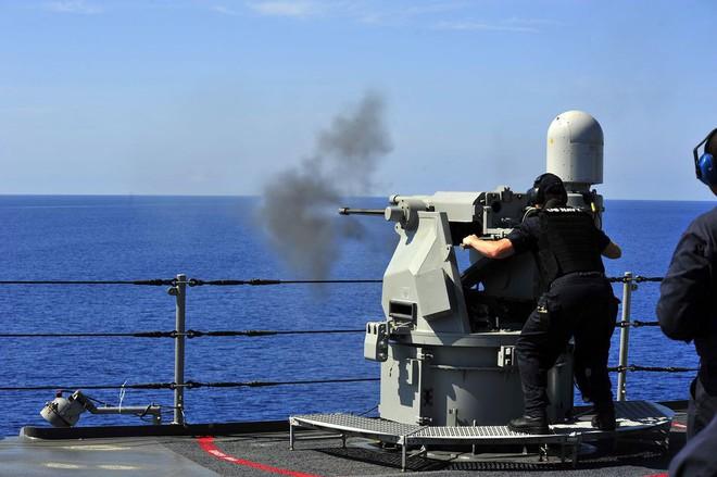 DARPA nghiên cứu dự án giúp các chiến sĩ điều khiển vũ khí và máy móc bằng ý nghĩ - Ảnh 1.