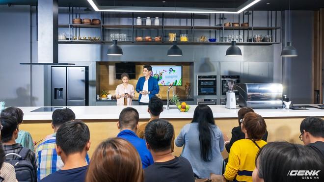 Đi chơi Samsung Showcase bắt gặp tủ lạnh thế hệ 2019 hoàn toàn mới, cực xịn sò - Ảnh 1.