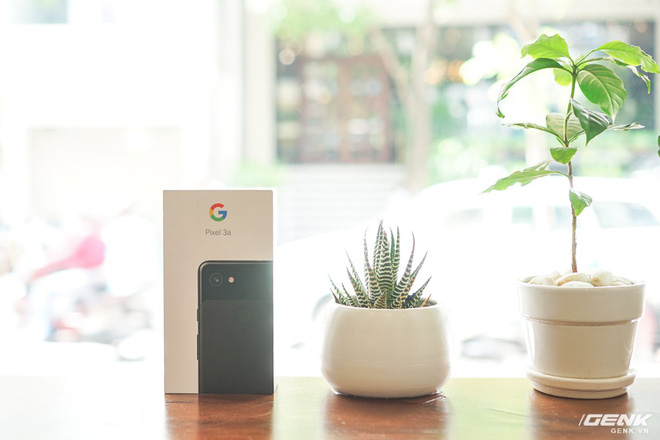 Trên tay Google Pixel 3a tại Việt Nam: không đẹp, 1 camera nhưng hoàn toàn có thể khiến nhiều ông lớn nghìn đô tâm phục, khẩu phục - Ảnh 1.
